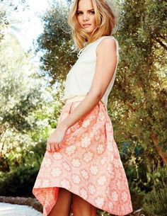 http://www.boden.co.uk/en-GB/Clearance/Womens-Skirts/Knee-Length-Skirts/WG541/Womens-Arianna-Skirt.html