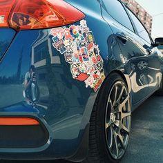 Aufkleber von Autos entfernen