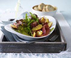 Unser beliebtes Rezept für Eichblatt-Rauke-Salat mit Pfirsichen, Parmaschinken und Senf-Vinaigrette und mehr als 55.000 weitere kostenlose Rezepte auf LECKER.de.