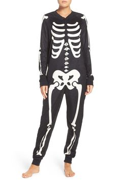 Embrace the Halloween spirit in this skeleton-print jumpsuit crafted from soft, plush microfiber that makes it comfortable whether you're at a spooky party or relaxing at home.