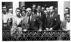 Retrato de grupo en el patio de la DESTRUIDA Real Sociedad Económica de Amigos del País de Murcia.ruiz funes 1937