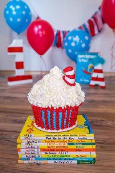 Seuss Birthday, Birthday Ideas, First birthday party, cake smash, Dr. - The Best Cat Party Ideas Dr Seuss Party Ideas, Dr Seuss Birthday Party, Baby Boy First Birthday, First Birthday Cakes, Birthday Cake Girls, Boy Birthday Parties, Birthday Ideas, Fruit Birthday, Mermaid Birthday