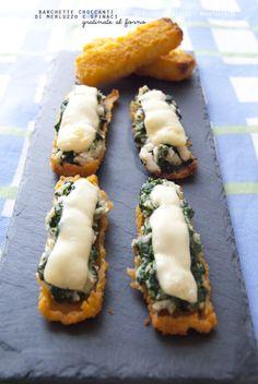 Un secondo piatto / finger-food davvero buonissimo ed originale, semplice da preparare e molto scenografico! Barchette croccanti di merluzzo e spinaci, gratinate al forno  La ricetta potete trovarla su http://noodloves.it/barchette-croccanti-merluzzo-e-spinaci/ #Bastoncini #Merluzzo #Spinaci #Formaggio #Antipasto #FingerFood #Bambini #Feste #Ricetta