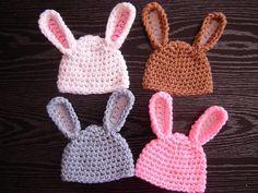 Ravelry: Adorable Baby Bunny Hat pattern by y: Tatiana Jitnikova from Beginner Crochet Patterns Read more at www. Crochet Baby Hat Patterns, Crochet Patterns For Beginners, Crochet Baby Hats, Crochet Beanie, Crochet For Kids, Crocheted Hats, Crochet Ideas, Beginner Crochet Patterns, Crochet Bunny Pattern