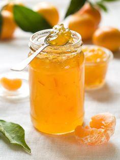 Mandarin Orange Marmalade - http://confessionsofanover-workedmom.com/how-to-make-mandarin-orange-marmalade/