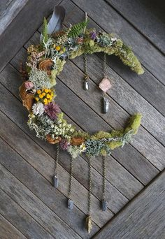23 Clever DIY Christmas Decoration Ideas By Crafty Panda Diy Wedding Decorations, Decor Wedding, Moon Crafts, Beach Crafts, Summer Crafts, Decoration Plante, Witch Decor, Boho Wall Hanging, Arte Floral