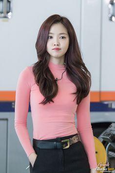 Reject the Binary Beautiful Asian Women, Beautiful People, Kpop Girl Bands, Apink Naeun, Pretty Korean Girls, Korean Actresses, Sweet Girls, Japanese Girl, Skinny