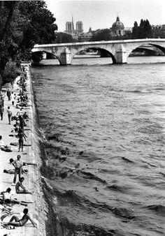 Parijs, de Seine, 1982. Robert Doisneau.