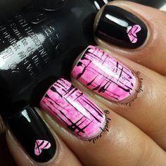 Lovely valentine nails design ideas 41