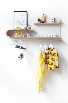 Customizable minimal shelving for kids