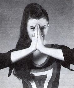 I'm practicing this Mudra for Healing a Broken Heart from Sabrina Mesko's Healing Mudras book now to release trapped energies of any/all past writing and creative processes that ended in heartbreak.  Freeing myself to create beautifully at this time...  from a deep place in my being.
