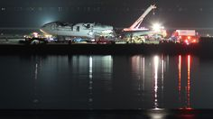 Asiana 214 Wreckage Removal at SFO - Asiana Airlines Flight 214 - By Basil D Soufi - Own work, CC BY-SA 3.0, https://commons.wikimedia.org/w/index.php?curid=27242494