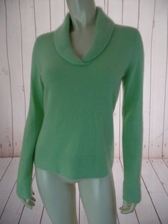 DANIEL BISHOP Cashmere Sweater S Light Green Pullover Beautiful Thick Knit Collar Hem & Sleeve Edges CHIC!