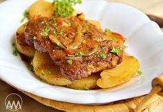 Krkovice pečená na bramborech Pork Recipes, Snack Recipes, Cooking Recipes, Czech Recipes, New Menu, Pork Roast, Food And Drink, Yummy Food, Beef