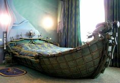 I want to sleep on this pirate ship bed!