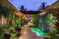 Island Style Villa: Kukio 32 | Carrie Nicholson