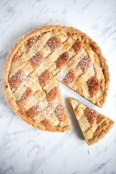 Rezept für Bakewell Tart – eine britische Frangipane Tarte mit Mandelfüllung und Marmelade