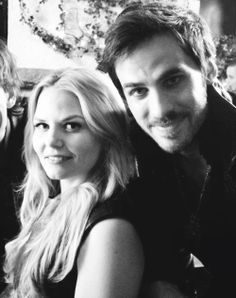 Can we just talk about the fact that Walsh was cut out of the picture so it could be a cute Captainswan picture?