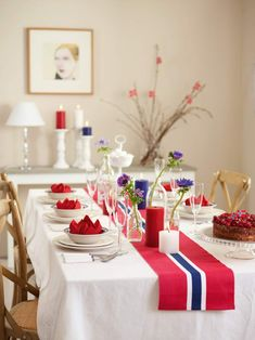 🇳🇴🇳🇴Hurra for mai, Norway 🇳🇴 Norway National Day, Birthday Party Decorations, Table Decorations, Constitution Day, Farewell Parties, Norwegian Food, Scandinavian Food, Lace Table Runners, Scrappy Quilts