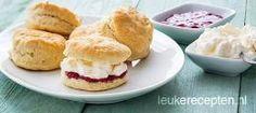 Scones Brunch, Beignets, Tea Recipes, Baking Recipes, Dutch Bakery, High Tea Food, Baking Bad, Tea Snacks, Salsa