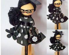 Broche de muñeca personalizado por Delafelicidad en Etsy