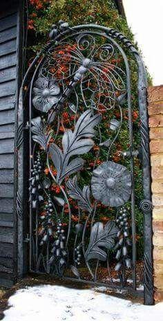 Backyard Fence Iron Garden Doors 46 Ideas For 2019 Metal Garden Gates, Metal Gates, Wrought Iron Gates, Garden Doors, Garden Rake, Wooden Garden, Balcony Garden, Tor Design, Gate Design