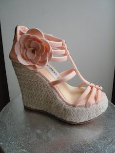 Cake Lovers...is'nt this Gorgeous!!!!!  Jimmy Choo Shoe Cake!