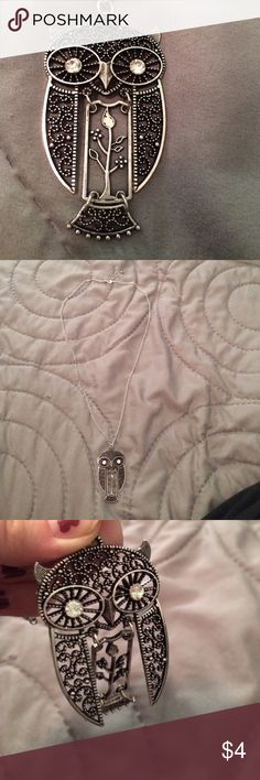 Owl necklace! This necklace has a long chain and the middle part of the owl moves- great condition! Jewelry Necklaces