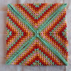 This is a really easy, simple way to make a cushion from just one Granny Square! I crocheted mine in 4 ply cotton on a 3.25 hook. 4ply takes a long time (double knit for me the next time!!) but it …