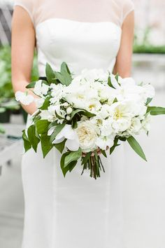 green and white bouquet via hey gorgeous