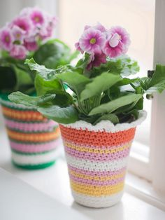 Sanna & Sania: A pot in three ways ...    If I have a kitchen window, I WILL have violets in the window, and perhaps they will need happy little covers like this on the pot