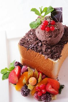 Berry Lover Honey Toast_R9 Cafe_Taiwan
