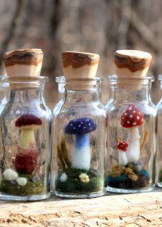 Fairy Glow Jars, Objet Harry Potter, Mason Jar Art, Felt Mushroom, Felt Fairy, Spice Jars, Spice Bottles, Felt Flowers, Felt Crafts
