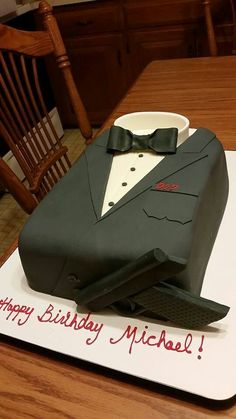 Michael wanted a James Bond theme for his birthday cake! www.cakesbygraham.com More Than Just the Icing on the Cake