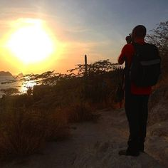 【hugopacheco982】さんのInstagramをピンしています。 《This is my passion ٩(๑❛ᴗ❛๑)۶ #trip #fun #旅行 #楽しみ #friends #amigos #友達と#友達 #海 #beach #playa #foto #fotografia #写真 #photography #phototag_it #ig_captures #ig_color #taganga #colombia #santamarta  #huaweip9lite #huawei #sunset #日の入り #passion #passionforphotography》