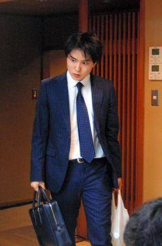 藤井四段、盛り返せるか スイス生まれ佐々木五段に苦戦:朝日新聞デジタル