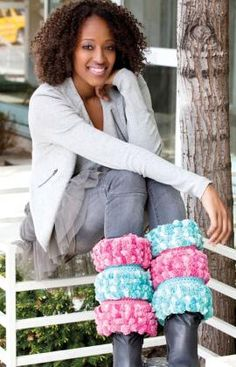 These Happy Eskimo #crochet boot covers would be great over the rain boots I wear to take the dogs outside...