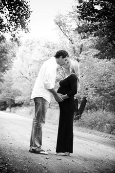 Maternity photos by 1826 photographic