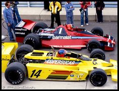 f1 Emerson Fittipaldi and Niki Lauda Await the Start of the US GP in the Pitlane of Watkins Glen 1978