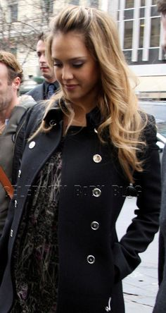 jessica alba's hair '08 - front view