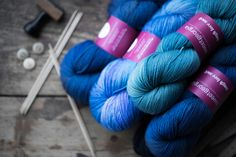Millainen on (hyvä) sukkalanka? Crochet Socks, Diy And Crafts, Gloves, Knitting, Slippers, Crocheting, Crochet, Tricot, Breien