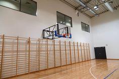 Konstrukcja do koszykówki naścienna, drabinki gimnastyczne Divider, Room, Furniture, Home Decor, Home Furnishings, Interior Design, Home Interiors, Decoration Home, Tropical Furniture