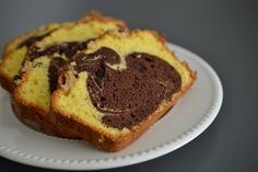 Chec pufos cu lapte si nuca - Rețete Papa Bun Food Cakes, Cake Recipes, Muffin, Cooking Recipes, Breakfast, Cakes, Morning Coffee, Easy Cake Recipes, Kuchen