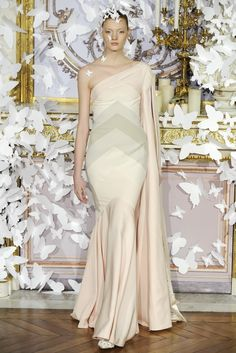 Alexis Mabille Couture Spring 2014 - Slideshow - Runway, Fashion Week, Fashion Shows, Reviews and Fashion Images - WWD.com
