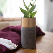Vase - Messing gebürstet / Beton dunkel