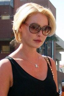 catherin higel short hairstyles pictures   Katherine Heigl's super-short blonde bob - celebrity hair and ...
