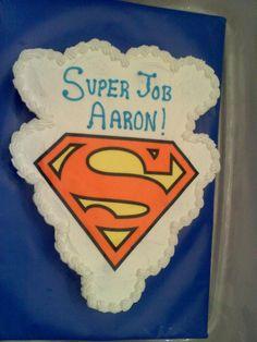 Super Job Preschool graduation cupcake cake