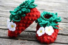 Erdbeerschuhe häkeln - Häkelanleitung für Kinder oder Babys