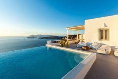 Cheap Hotels In Santorini, Santorini Travel, Santorini Caldera, Santorini Island, Rent A Villa, Affordable Hotels, Hotel Pool, Private Pool, Solo Travel