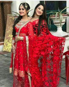 Sarees, Lehenga Choli , Kurta Salwar by Niyajivika Sydney Stylish Sarees, Stylish Dresses, Fashion Dresses, Maxi Dresses, Indian Dresses, Indian Outfits, Pakistani Dresses, Desi Wedding Dresses, Wedding Wear